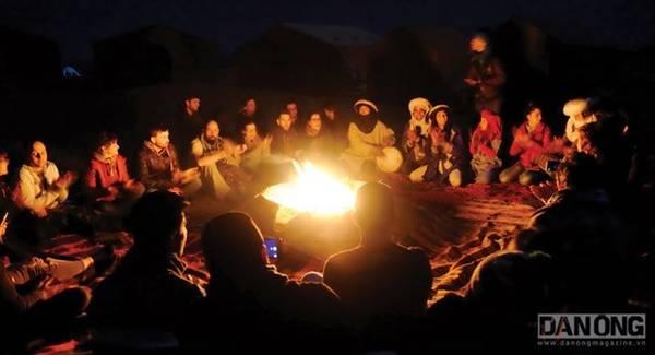 Buổi tối tại sa mạc Sahara.