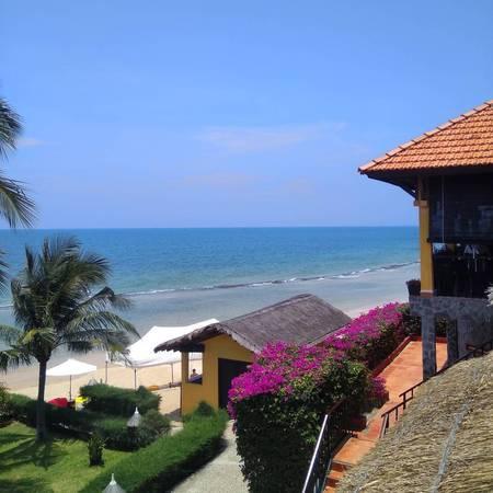 """Victoria Phan Thiết Beach Resort & Spa từng được Tạp chí The Guide, trực thuộc Thời báo Vietnam Economic Times bầu chọn là một trong những """"Resort đẹp nhất"""" ở Mũi Né – Phan Thiết. Ảnh: lelyakkonstantin"""