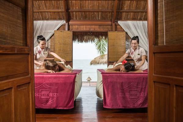 Bằng những liệu pháp chăm sóc sức khỏe đầy tinh tế, dịch vụ Spa của Victoria Phan Thiết sẽ giúp du khách xua tan những mệt mỏi và mang lại cho bạn một cơ thể hoàn toàn thư giãn và đầy sảng khoái sau một ngày dài hoạt động du lịch khám phá. Ảnh: victoriahotels