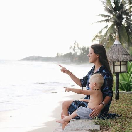 Victoria Phan Thiết được nhiều du khách lựa chọn lưu trú không chỉ nhờ những bungalow nhỏ xinh, hồ bơi đầy mê hoặc mà còn nhờ bãi biển mới cải tạo ứng dụng công nghệ Geotube thân thiện với môi trường. Ảnh: ksundel