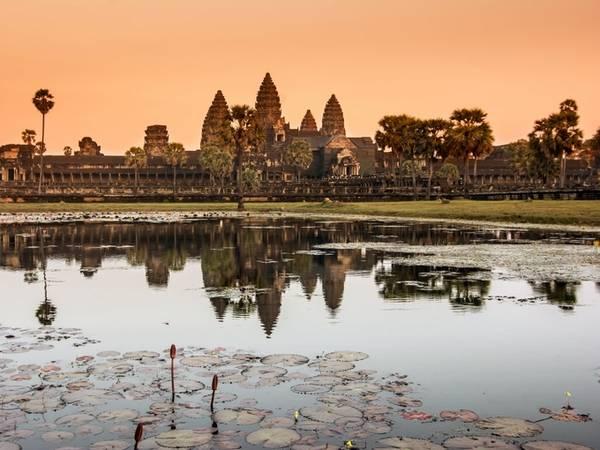 Danh sách điểm đến được du khách lựa chọn (Traveler's Choice awards) của TripAdvisor dựa trên số lượng và chất lượng bài đánh giá của du khách trải qua hơn 12 tháng. Năm nay, các điểm đến đa dạng từ di tích cổ ở Nam Mỹ tới những kỳ quan mới ở châu Á hay các nhà thờ, quảng trường ở châu Âu. Trong đó, Angkor Wat, Campuchia, xếp vị trí đầu tiên và luôn được đánh giá 5 sao.