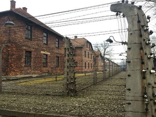 Cổng vào Trại tập trung Auschwitz