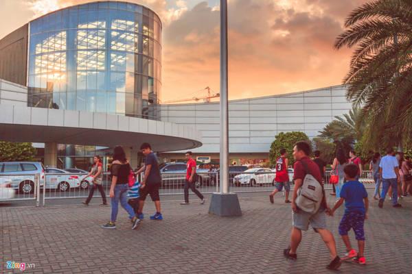 Vịnh Manila là một trung tâm nghỉ ngơi, tham quan không chỉ của người dân Metro Manila, mà còn của khách du lịch. Đây là địa điểm nổi tiếng, phù hợp đi dạo và ngắm hoàng hôn.