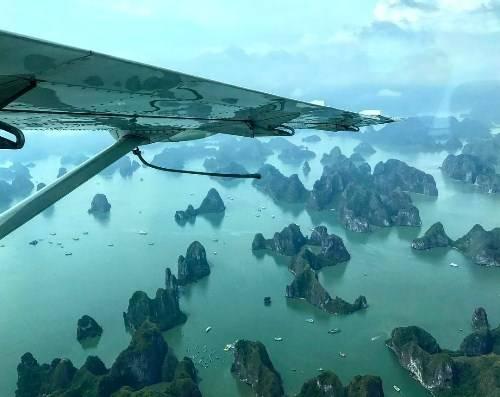 Ảnh vịnh Hạ Long từ trên cao được đạo diễn phim Kong chia sẻ. Ảnh: Jordan Vogt-Roberts.