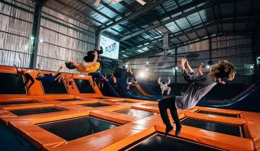 he-nay-nha-bat-nhun-jump-arena-trampoline-hut-gioi-tre-sai-gon-ivivu-3