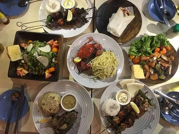 Đồ ăn tại ATHENA khá ngon, giá cả hợp lý.