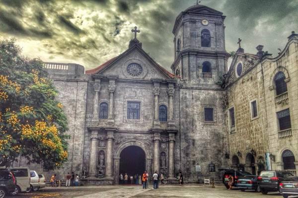Nhà thờ cổ ở Manila.