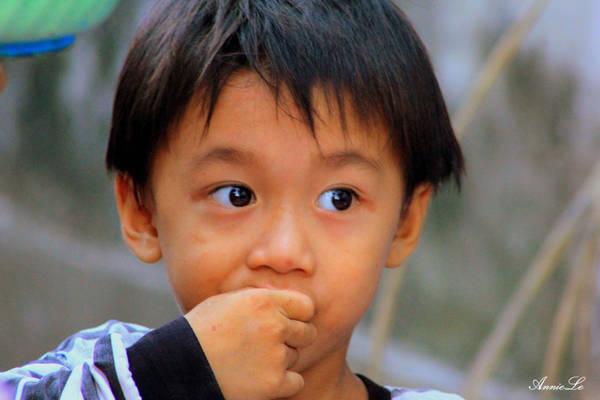Và muốn biết nơi đó yên bình đến mức nào, hãy nhìn vào đôi mắt trẻ thơ. Đến Phú Yên, muốn tận hưởng cuộc sống yên bình dung dị, đừng bỏ qua Từ Nham bạn nhé.