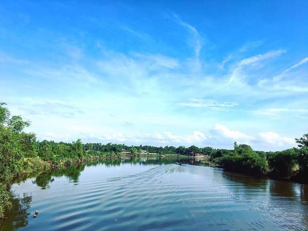 Làng Phước Tích được biết tới là ngôi làng cổ thứ hai sau làng Đường Lâm của miền Bắc. Dù đã trải qua nhiều thế kỷ, làng Phước Tích vẫn giữ dáng vẻ thanh bình, hiền hòa. Ảnh: Holie_ho/Instagram.