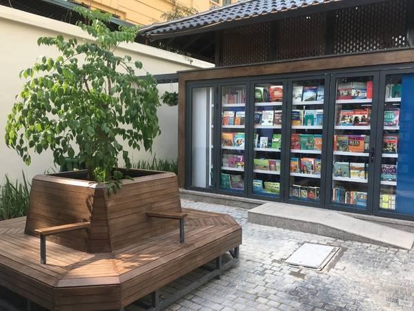 Nhiều góc thư giãn, nghỉ ngơi ngoài trời được bố trí quanh khu phố sách.