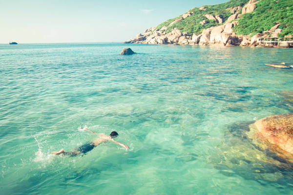 Ở Bình Ba còn có dịch vụ lặn biển ngắm san hô rất hay với giá phải chăng.