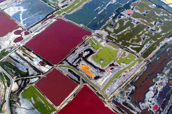 Hồ muối Vận Thành nằm ở phía tây nam thành phố Vận Thành, Sơn Tây, Trung Quốc, được hình thành từ hơn 500 triệu năm trước.
