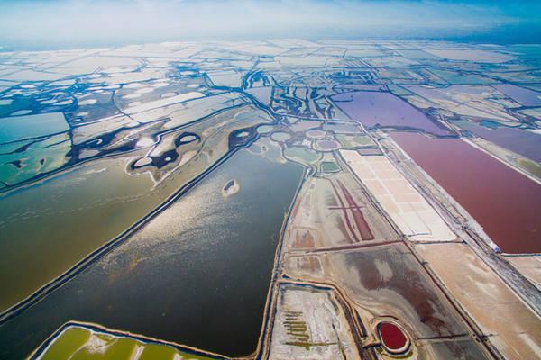 Là hồ nước lớn nhất tỉnh Sơn Tây, hồ là nơi cung cấp muối cho người dân địa phương trong hơn 4.000 năm.