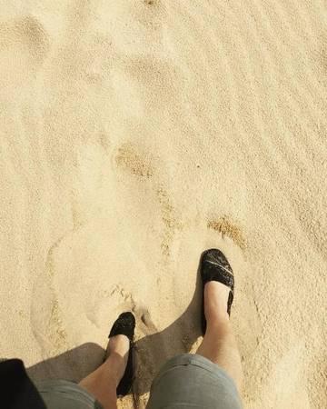 Còn lại chủ yếu khách sẽ thấy màu cát trắng tinh, mịn màng. Ảnh: natsude6