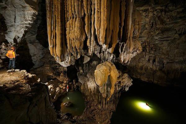 Bên dưới vùng đất của Kong là một tấm kiệt tác thạch nhũ của thiên nhiên. Ảnh: Oxalis.