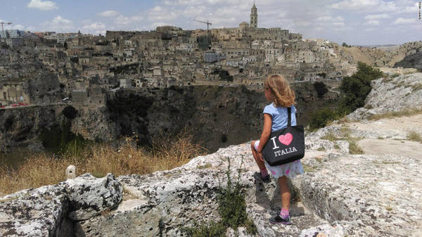 Matera, Basilicata: Thị trấn cổ ở miền nam Italia từng là một vùng đất nghèo khó, nhưng hiện đã trở thành địa điểm du lịch hấp dẫn.