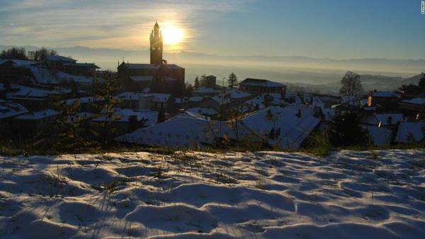 Langhe, Piedmont: Khu vực đồi ở vùng Piedmont nổi tiếng với rượu vang, pho mát và kẹo mềm. Nơi đây đã được tổ chức UNESCO công nhận là di sản thế giới vào năm 2014.