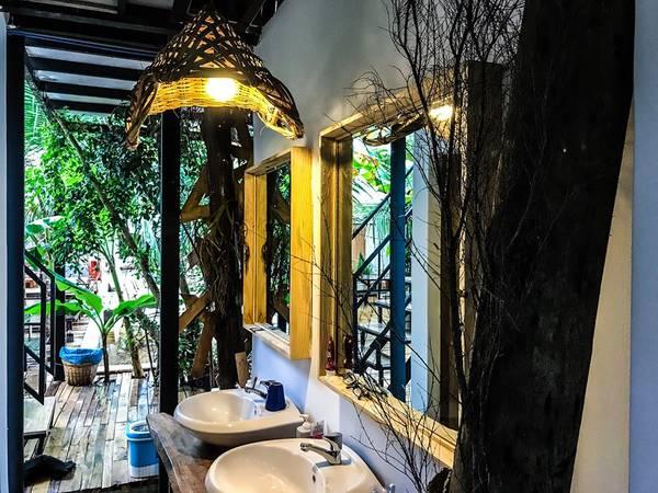 The-Fish-Hostel-Restaurant-phu-quoc-ivivu-13