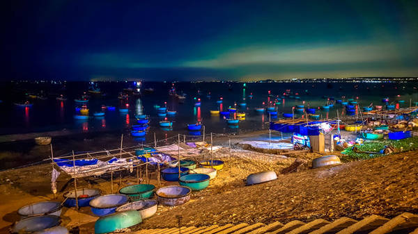 Thuyền thúng ở cảng cá Mũi Né Phan Thiết - Ảnh: Phạm An Dương