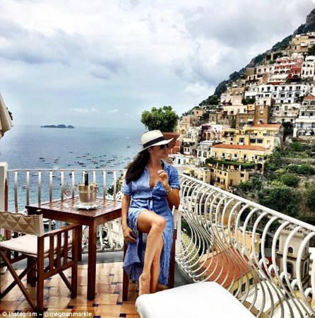 """Phong cách """"thả hồn theo làn gió"""": Hướng khuôn mặt ra một hướng khác, ánh mắt mơ màng, với cảnh quan tuyệt đẹp đằng sau là một tư thế được đảm bảo để câu nghìn like. Ảnh trên, do nữ diễn viên Meghan Markle chụp trong chuyến đi đến Italy, đã nhận được hơn 34.000 lượt like."""