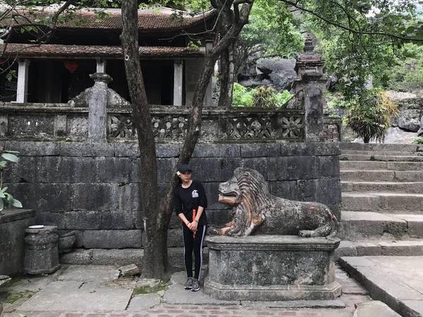 Từ cây cối đến thiết kế của chùa đều vẫn giữ nguyên vẻ cổ kính.