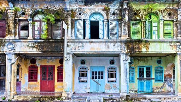 """George Town - thủ phủ của đảo Penang được UNESCO trao tặng danh hiệu Di sản văn hóa thế giới vào năm 2008. Một lần đặt chân đến đảo Penang, bạn sẽ ồ lên thích thú khi được thỏa sức sáng tạo chụp những tấm ảnh đẹp và không """"đụng hàng""""."""