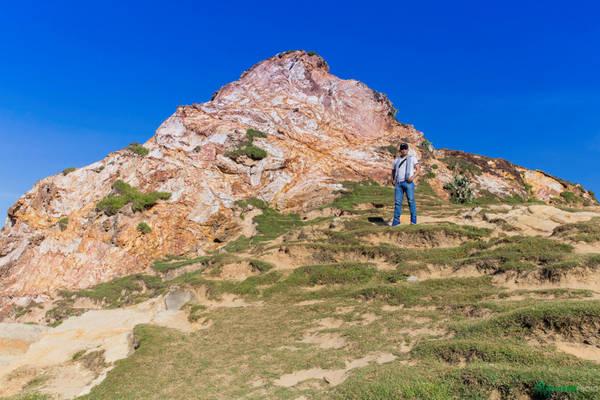 Những ngọn núi cao ngất rất đẹp cho du khách chụp hình.