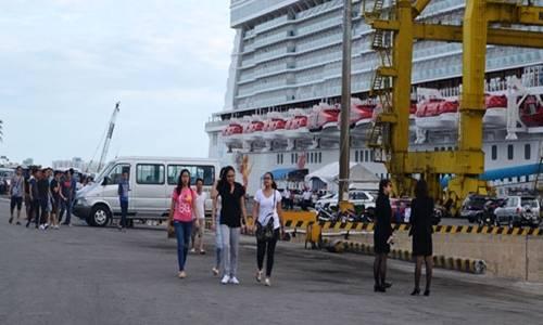 Du thuyền quốc tế đưa khách đến Đà Nẵng. Ảnh: Nhật Hạ.