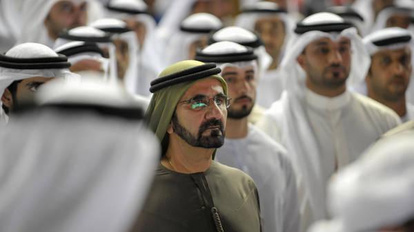 Nam giới nhiều hơn hẳn nữ giới: Trong số 2,5 triệu người Dubai, 1,7 triệu là nam giới, tương đương 70%. Điều này là do phần lớn người nước ngoài ở Dubai là những người đàn ông rời bỏ gia đình tới đây làm việc. Phần lớn dân số nơi đây nằm trong độ tuổi từ 25-44. Ảnh: Al Arabiya English.