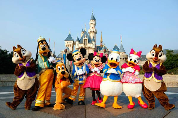 Có nhiều cách để tiết kiệm tiền khi đi chơi ở các khu công viên giải trí - Ảnh: Disneyland Hongkong