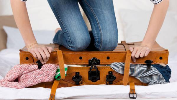 Việc nhét đồ đạc vào gọn trong vali của bạn là một nghệ thuật!