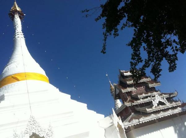 Đỉnh tháp ở chùa Wat Phra That Doi Kong Mu - Ảnh: Trùng Dương