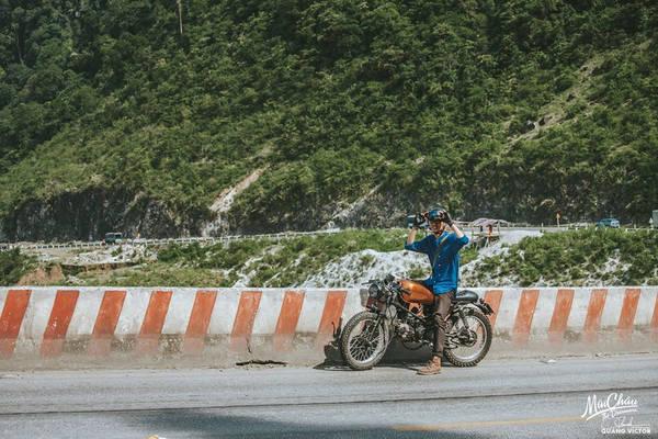 Đường lên Mai Châu không hiểm trở như những con đường ở Hà Giang hay Yên Bái, nhưng cũng có khá nhiều dốc cao, nguy hiểm, cần chú ý an toàn.