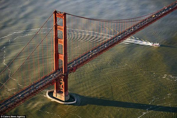 Hình ảnh đẹp mắt từ trên không về những cây cầu nổi tiếng nhất thế giới được Jassen Todorov, nhiếp ảnh gia người Mỹ, ghi lại.