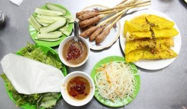 quan-banh-xeo-30-nam-luon-dong-khach-o-da-nang-ivivu-2
