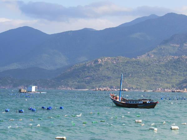 Biển Bình Lập êm đềm