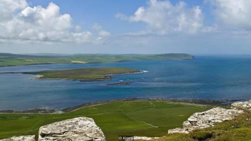 Eynhallow im lìm giữa những hòn đảo của Orkney. Ảnh: Mike McEacheran.