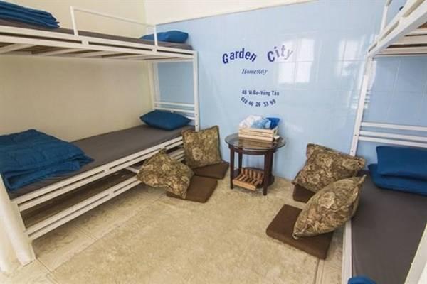 Bạn có thể chọn thuê nhà nguyên căn giá 500.000 đồng cho 6 người, phòng đôi giá 250.000 đồng hoặc giường đơn trong phòng ngủ tập thể (dorm). Ảnh: vacbalo.