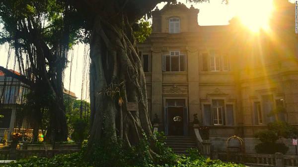 Holiday Villa hay khách sạn Zhong De Ji là một trong những lâu đài mang phong cách kiến trúc châu Âu được xây dựng từ thế kỷ 19