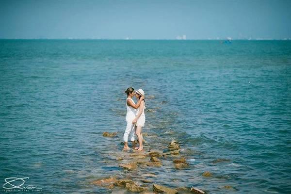 Nhiều cặp đôi cũng lựa chọn nơi đây làm địa điểm chụp hình cưới. Ảnh: Quanlightwriter.photography