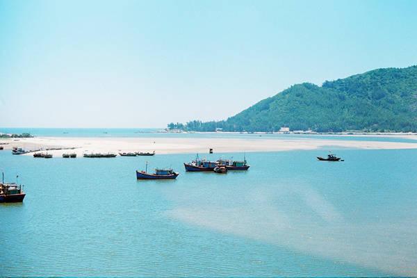 Biển Thiên Cầm - một trong những bãi biển đẹp nhất Hà Tĩnh.Ảnh: Bảo Ngọc