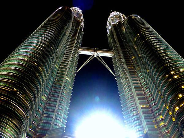 Tháp đôi Petronas, biểu tượng của Thủ đô Kuala Lumpur.