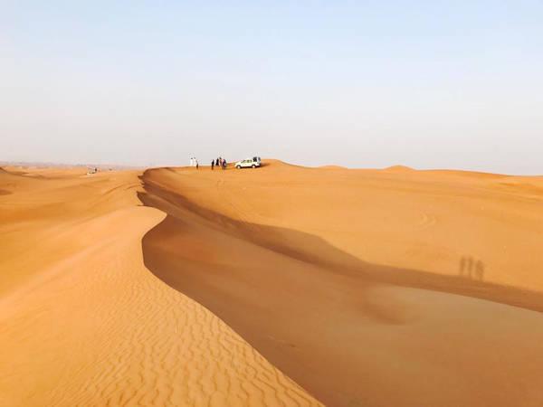 Theo cô, điểm nhấn của cả hành trình chính là chuyến khám phá sa mạc Dubai, băng qua những cồn cát chập chùng giữa không gian mênh mông để hòa mình với thiên nhiên tuyệt diệu.