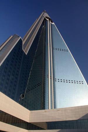 Ryugyong cao 330 m và có khoảng 3.000 phòng. Ảnh: Ryugyonghotel.