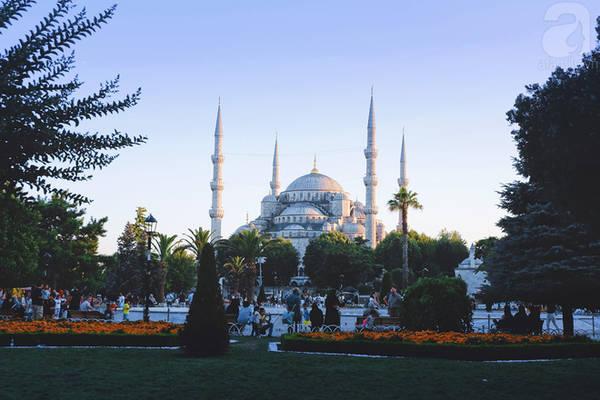 Blue Mosque lúc hoàng hôn buông xuống
