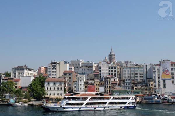Tháp Galata - tòa tháp cổ cao nhất thành phố.
