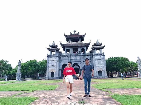 """Nhà thờ đá Phát Diệm được báo chí đánh giá là một trong những nhà thờ đẹp nhất Việt Nam, được ví như """"kinh đô công giáo"""" của Việt Nam."""