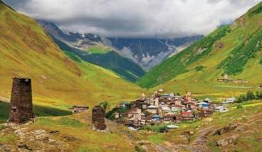 nhung-ngon-thap-co-tren-day-caucasu-ivivu-3