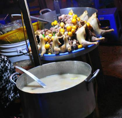Đây là món ăn được nhiều du khách lựa chọn khi đến chợ đêm Đà Lạt. Ảnh minh họa: Yukata.