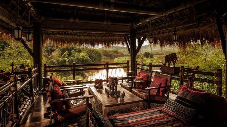 Điểm nhấn của khu nghỉ dưỡng là đồ nội thất thủ công và phong cánh trang trí được lấy cảm hứng từ voi.